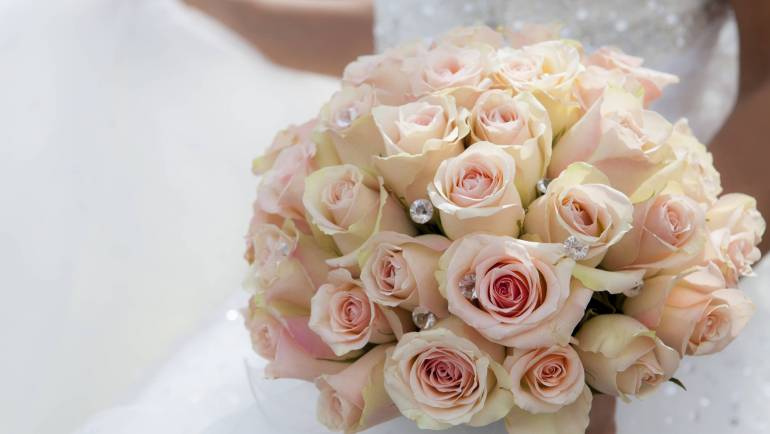 Milyen az igazi romantikus menyasszonyi csokor?